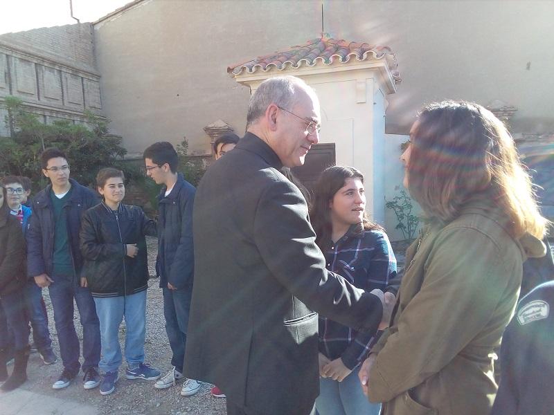 El Obispo Auxiliar, don Arturo Ros, visita nuestro colegio